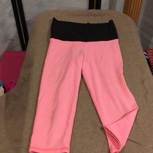 Pink and black high waisted cotton capris by Pink